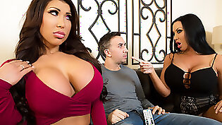 Cassia Aspen and August Taylor take turns and then share the foreplay