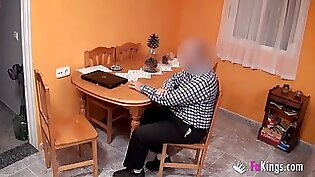 She gets wanked and squirted by a lucky dude