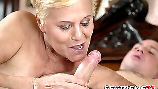 Granny id like to fuck off with her bigcock