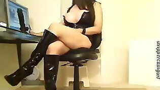 Big dick hunter in leather stoole testicles himself