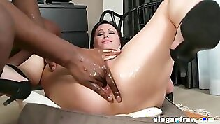 Big ass mature milf anal xxx Games for a Pearl Necklace